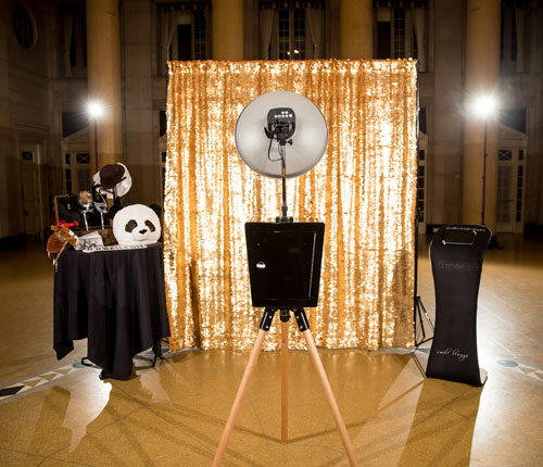 open photo booth hire in Melbourne