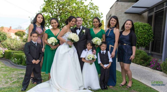 Want to Hire a Wedding Photographer? Look For These Qualities First